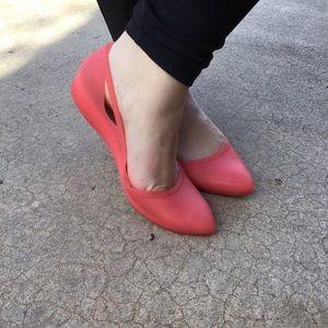 CROCS Pink Rio Slip On Flats Pointy Toe